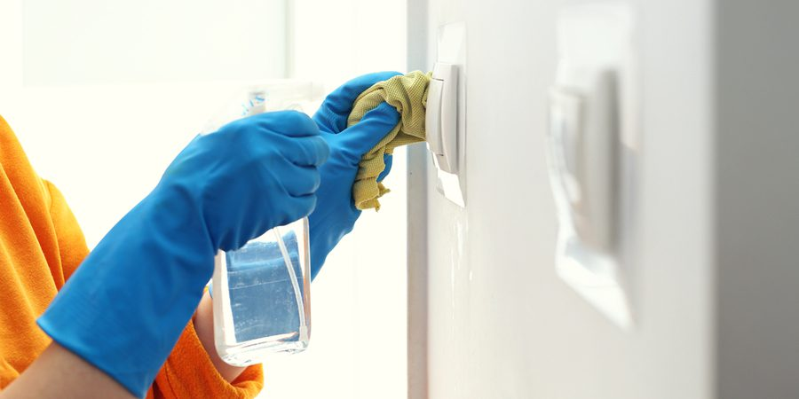 blue gloves cleaning covid